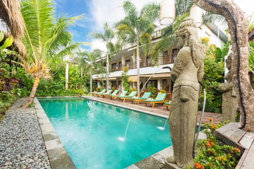 The swimming pool at or close to Meruhdani Boutique Hotel Ubud