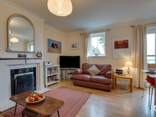 Bright Holiday Home in Whitstable Kent with Private Parking