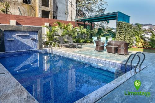 The swimming pool at or close to Shalimar Grand