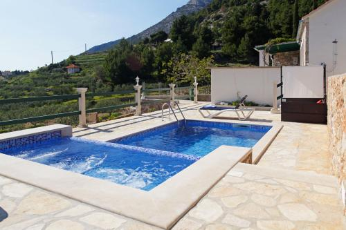 Bazén v ubytování Holiday home Nina nebo v jeho okolí