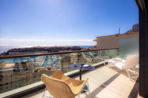 A balcony or terrace at Novotel Monte-Carlo