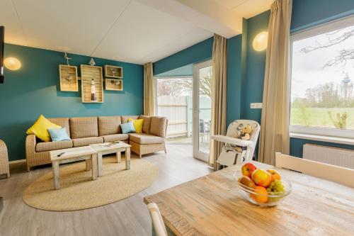 Ein Sitzbereich in der Unterkunft Center Parcs Nordseeküste Bremerhaven