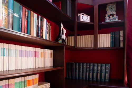 De bibliotheek in het vakantiehuis