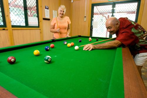 A pool table at Acclaim Kingsway Tourist Park