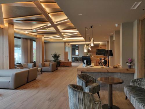 Lounge oder Bar in der Unterkunft Hotel Ambassador