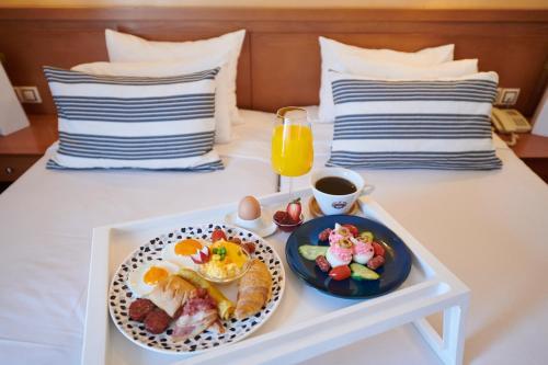 Opciones de desayuno disponibles en Crystal City Hotel