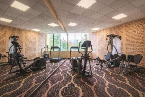 The fitness center and/or fitness facilities at La Quinta by Wyndham Silverthorne - Summit Co