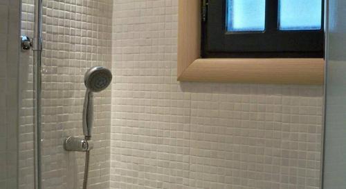 A bathroom at Eleios