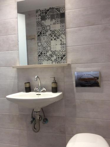 Ένα μπάνιο στο Villa Popi