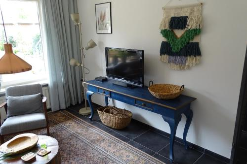 A television and/or entertainment center at Pluijm