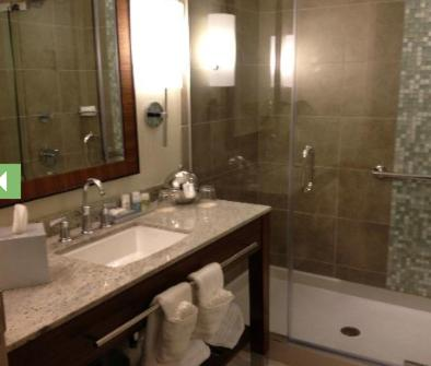 A bathroom at Seven Clans Hotel at Coushatta