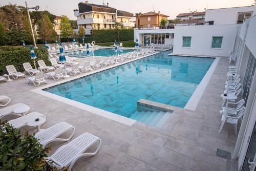 Бассейн в Hotel Terme Vena D'Oro или поблизости