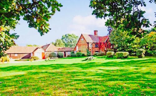 Oldlands Farmhouse Gatwick