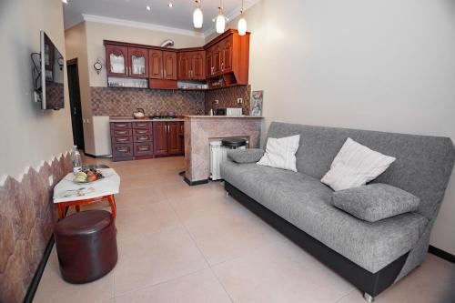 A seating area at Apartment on Javakhishvili