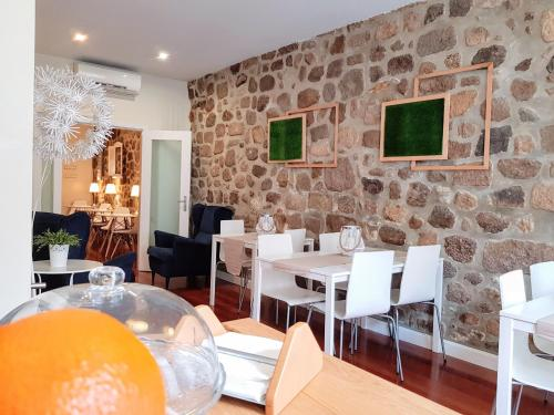 A restaurant or other place to eat at Braga Bells Guesthouse