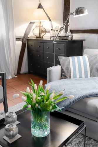 Ein Sitzbereich in der Unterkunft Moderne trifft auf Fachwerk