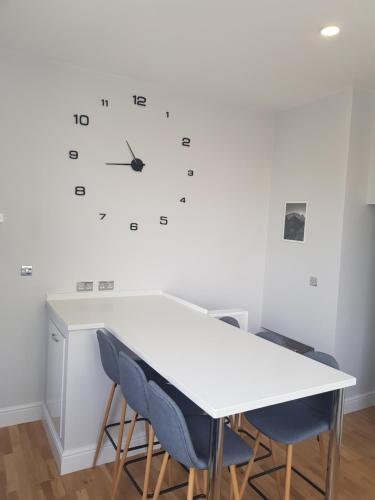 1 Hales Road Apartment - Cheltenham Town