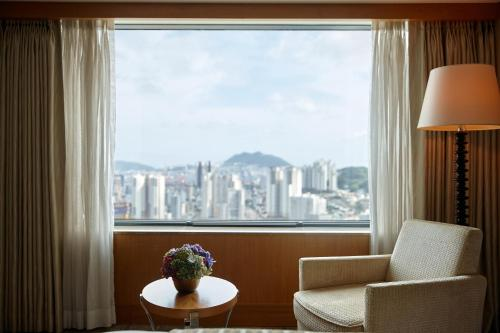 A seating area at Lotte Hotel Busan