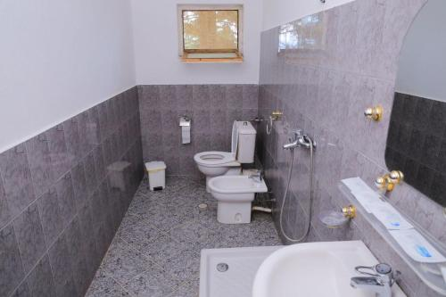 A bathroom at Hotel Kristal