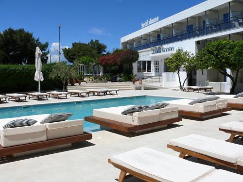 Πισίνα στο ή κοντά στο Ξενοδοχείο Δανάη