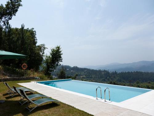A piscina em ou perto de Quinta do Bárrio