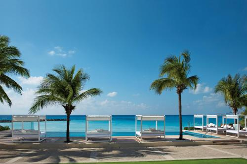 Piscina en o cerca de Krystal Grand Cancun