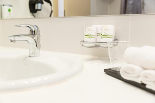 A bathroom at Hotel Cristal