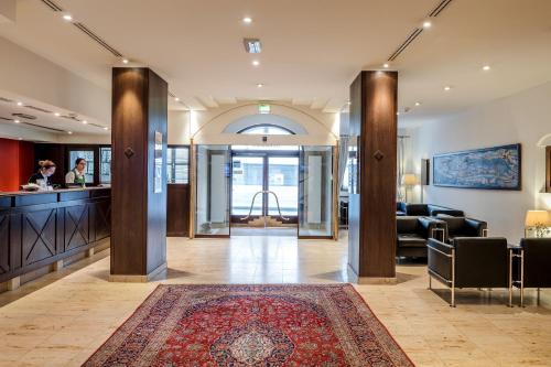 Lobby/Rezeption in der Unterkunft Hotel IMLAUER & Bräu