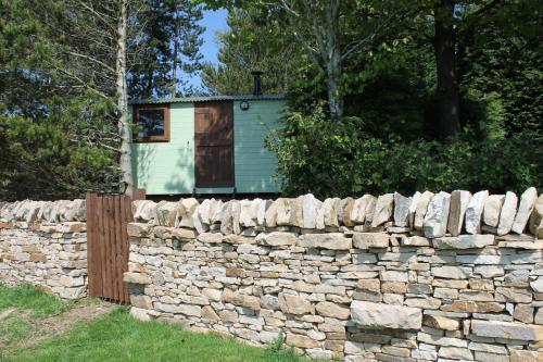 Shepherd's Hut - The Quirky Quarry