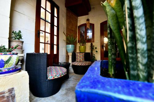A seating area at Maria Giovanna Guest House
