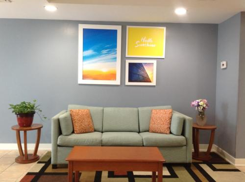 A seating area at Days Inn by Wyndham Glen Allen