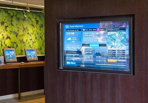 A television and/or entertainment center at Courtyard by Marriott Philadelphia Springfield