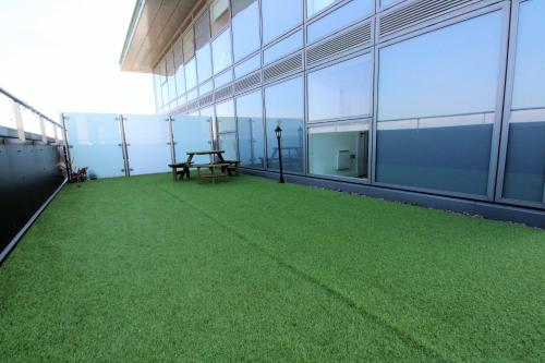 Media City Roof Top Garden Apartment