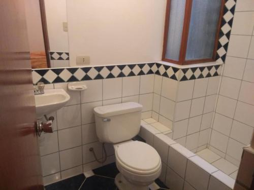A bathroom at Casa del turista Warmi J
