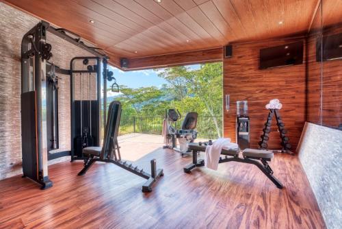 Das Fitnesscenter und/oder die Fitnesseinrichtungen in der Unterkunft The Inn at Palo Alto