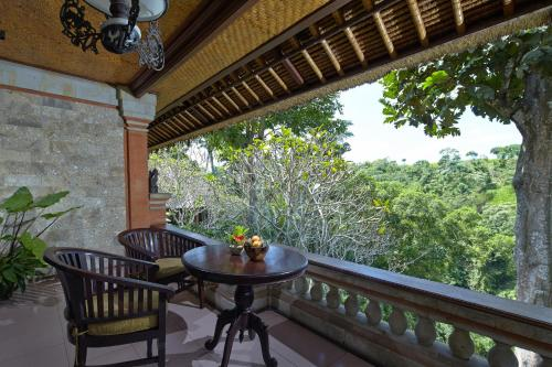 A balcony or terrace at Hotel Tjampuhan Spa