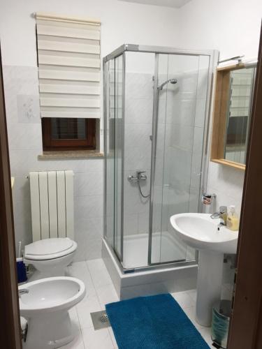 A bathroom at Nela Apartment