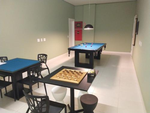 A billiards table at Ap 513 Manacás