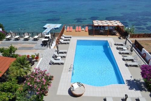 Θέα της πισίνας από το Havania Apartments  ή από εκεί κοντά