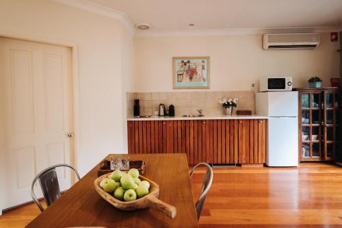 A kitchen or kitchenette at Billabong Moon