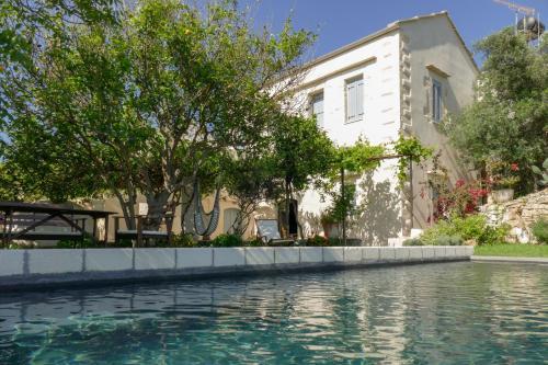 Majoituspaikassa Boutique Villa Kalliope tai sen lähellä sijaitseva uima-allas