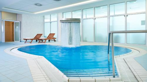 Het zwembad bij of vlak bij Orea Spa Hotel Cristal