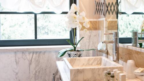 A bathroom at Villa Belverde Boutique Hotel