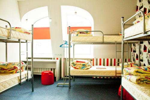 ZigZag Hostel tesisinde bir ranza veya ranzalar