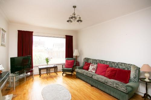 A seating area at Lisburn Serviced Accommodation