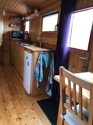 Küche/Küchenzeile in der Unterkunft Naturism Camping Dobra Luka - Nuda Camp