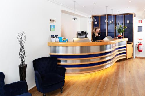 Lobbyn eller receptionsområdet på Center Hotel- Sure Hotel by Best Western Center