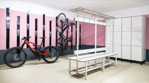 The fitness center and/or fitness facilities at Apartamentos Flor los Almendros