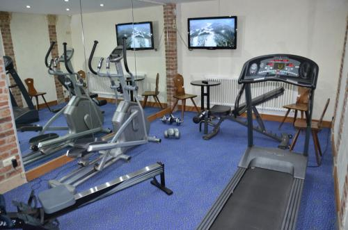 The fitness center and/or fitness facilities at Ringhotel Alpenhof