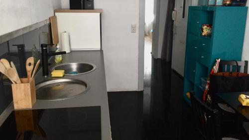 Küche/Küchenzeile in der Unterkunft Ferienwohnung Hannover Holtmann